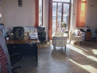 vanzare apartament cu 5 camere, decomandata, in zona Parcul Carol, orasul Bucuresti