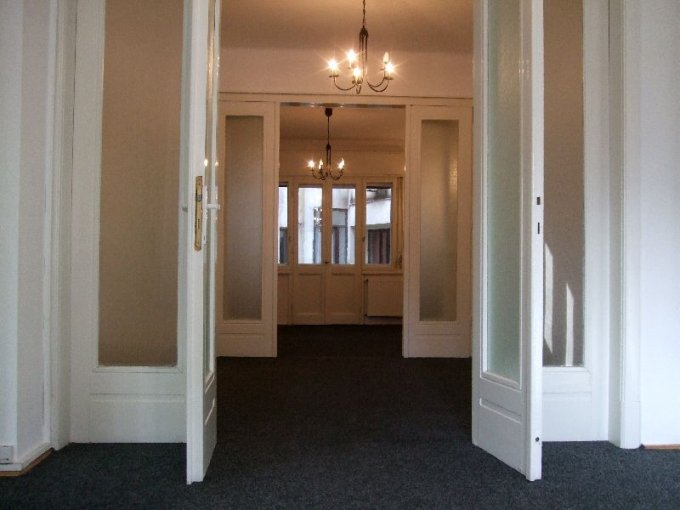 agentie imobiliara inchiriez apartament semidecomandat-circular, in zona Universitate, orasul Bucuresti