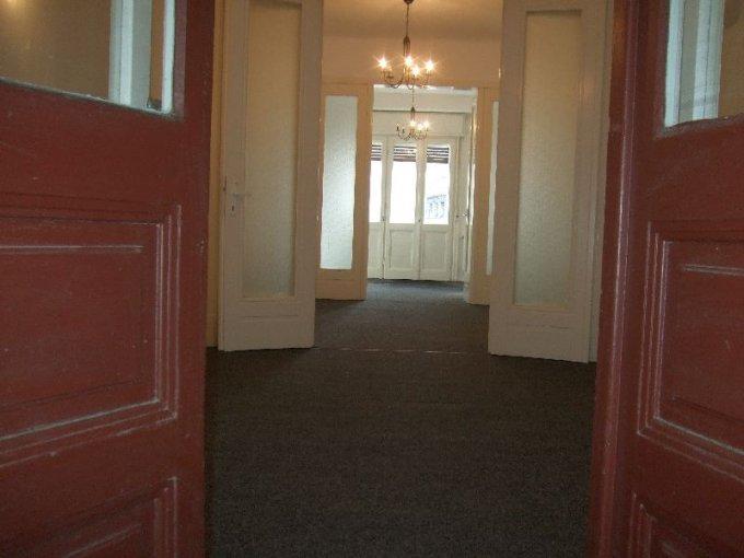 inchiriere apartament cu 5 camere, semidecomandat-circular, in zona Universitate, orasul Bucuresti