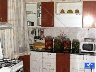 Bucuresti, zona Calea Calarasilor, apartament cu 5 camere de inchiriat, Semi-mobilat