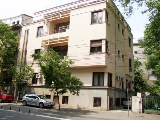 proprietar inchiriez apartament decomandat, in zona Dacia, orasul Bucuresti