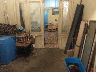vanzare apartament cu 5 camere, decomandat, in zona Universitate, orasul Bucuresti