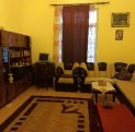 agentie imobiliara vand apartament decomandat, in zona Universitate, orasul Bucuresti