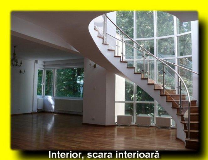 Living si scara interioara