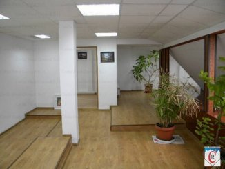 inchiriere apartament cu 5 camere, decomandat, in zona Basarabia, orasul Bucuresti
