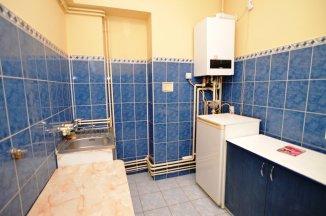 http://www.realkom.ro/anunt/inchirieri-apartamente/realkom-agentie-imobiliara-unirii-oferta-inchiriere-apartament-6-camere-piata-unirii/1737