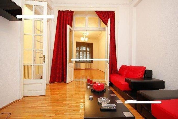 vanzare Apartament Bucuresti cu 7 camere, cu 2 grupuri sanitare, suprafata utila 200 mp. Pret: 160.000 euro. Incalzire: Centrala proprie a locuintei. Racire: Aer conditionat.