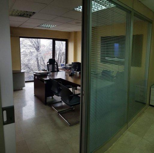 inchiriere birou cu 2 camere, 1 grup sanitar, suprafata de 75 mp. In orasul Bucuresti, zona Dorobanti.