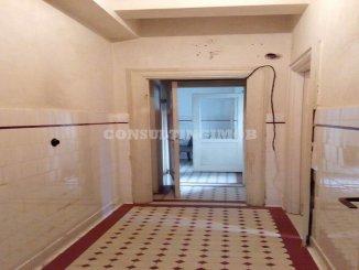 vanzare de la agentie imobiliara, birou cu 4 camere, in zona Unirii, orasul Bucuresti