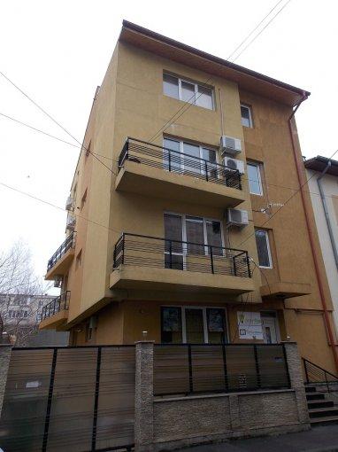 inchiriere birou cu 4 camere, 1 grup sanitar, suprafata de 220 mp. In orasul Bucuresti, zona Vitan Mall.