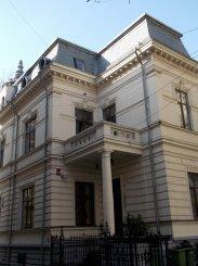 inchiriere de la agentie imobiliara, birou cu 7 camere, in zona Piata Romana, orasul Bucuresti