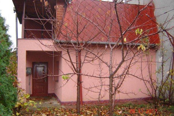 Brancoveanu Bucuresti casa cu 5 camere, 2 grupuri sanitare, cu suprafata utila de 140 mp, suprafata teren 140 mp si deschidere de 12 metri. In orasul Bucuresti Brancoveanu.