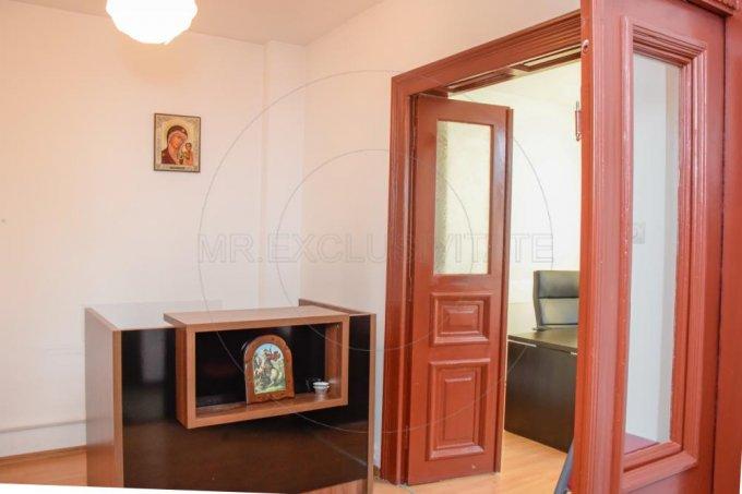 vanzare Casa Bucuresti Tudor Vladimirescu cu 6 camere, 3 grupuri sanitare, avand suprafata utila 135 mp. Pret: 220.000 euro. proprietar vand Casa.