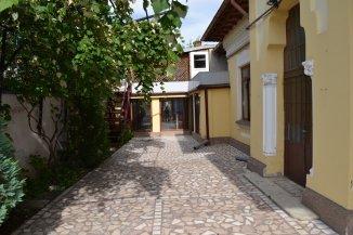 Casa de vanzare cu 6 camere, in zona Tudor Vladimirescu, Bucuresti