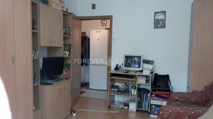 Garsoniera vanzare Bucuresti, suprafata utila 26 mp, 1 grup sanitar, 1  balcon. 45.000 euro negociabil. Etajul 3 / 4. Destinatie: Rezidenta. Garsoniera Crangasi Bucuresti