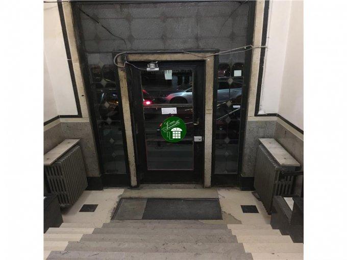Garsoniera vanzare Lahovari etajul Demisol din 7 etaje, 1 grup sanitar, cu suprafata de 22 mp. Bucuresti, zona Lahovari.
