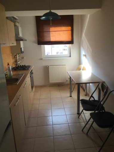 Garsoniera de inchiriat direct de la agentie imobiliara, in Bucuresti, zona Vitan-Barzesti, cu 250 euro. 1  balcon, 1 grup sanitar, suprafata utila 45 mp. Mobilata modern.