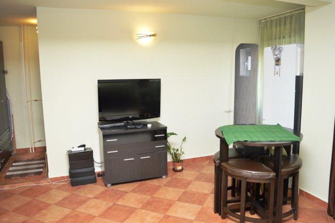 http://www.realkom.ro/anunt/inchirieri-apartamente/realkom-agentie-imobiliara-decebal-oferta-inchiriere-garsoniera-camere-decebal-zvon-cafe/1624