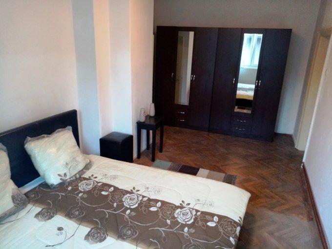 Garsoniera vanzare Dorobanti etajul 3 din 3 etaje, cu suprafata de peste 145mp în folosinta. Bucuresti, zona Dorobanti.