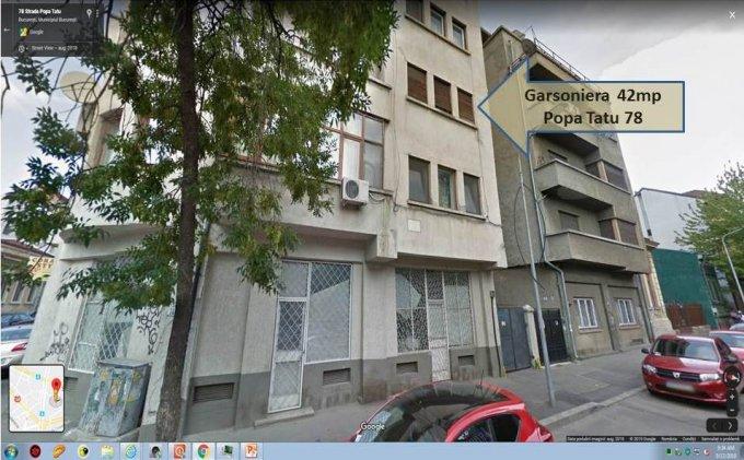 Garsoniera de vanzare direct de la proprietar, in Bucuresti, zona Victoriei, cu 46.000 euro negociabil. 1 grup sanitar, suprafata utila 42 mp.