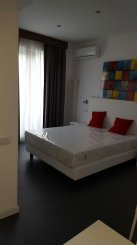 Mini hotel de vanzare cu 4 etaje 20 camere, in zona Unirii, Bucuresti