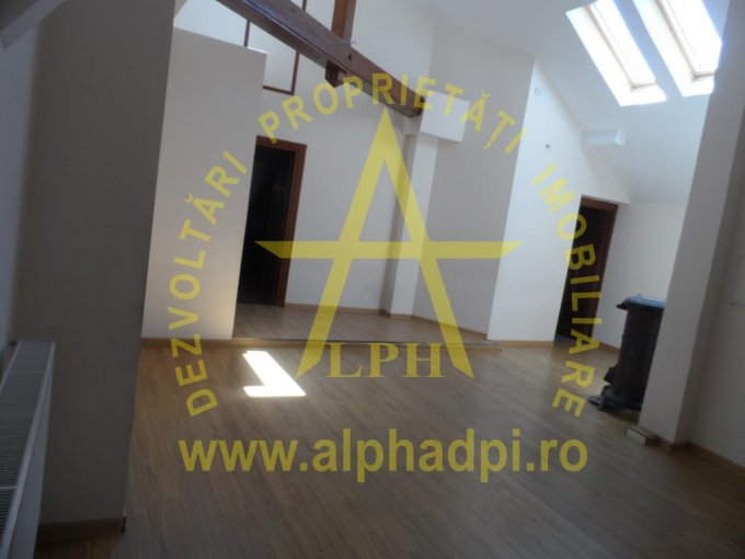 Vila de vanzare direct de la agentie imobiliara, in Bucuresti, zona Vatra Luminoasa, cu 390.000 euro. 6 grupuri sanitare, suprafata utila 500 mp. Are 1 etaj si 10 camere.