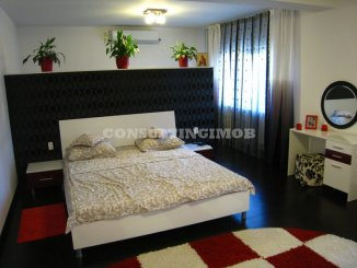 agentie imobiliara vand Vila cu 1 etaj, 8 camere, zona DN 1, orasul Bucuresti