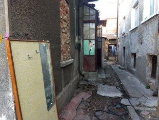 Vila de vanzare cu 1 etaj si 6 camere, in zona 1 Mai, Bucuresti
