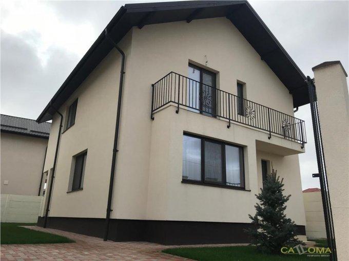 Vila cu 1 etaj, 4 camere, 3 grupuri sanitare, avand suprafata utila 110 mp. Pret: 120.000 euro. agentie imobiliara vanzare Vila.