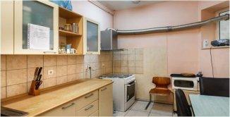 agentie imobiliara vand Vila cu 1 etaj, 9 camere, zona Armeneasca, orasul Bucuresti