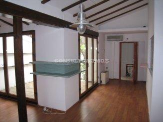agentie imobiliara vand Vila cu 2 etaje, 9 camere, zona Calea Calarasilor, orasul Bucuresti