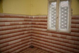 proprietar vand Vila cu 2 etaje, 7 camere, zona Titulescu, orasul Bucuresti