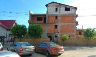 Vila de vanzare cu 3 etaje si 7 camere, in zona Apusului, Bucuresti