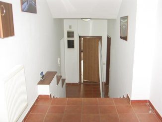 vanzare vila de la agentie imobiliara, cu 3 etaje, 5 camere, in zona Dorobanti, orasul Bucuresti