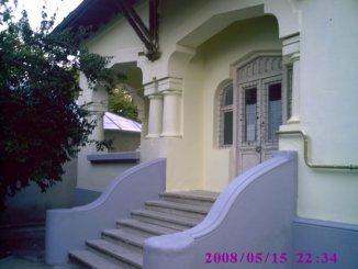 Buzau Ramnicu Sarat, zona Centru, casa cu 9 camere de vanzare de la proprietar