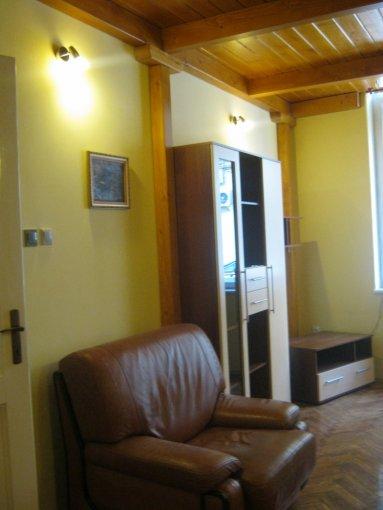 inchiriere apartament decomandat, zona Central, orasul Cluj Napoca, suprafata utila 90 mp