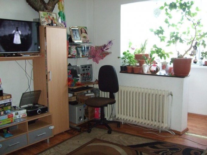 Apartament vanzare Manastur cu 3 camere, etajul 4 / 4, 1 grup sanitar, cu suprafata de 65 mp. Cluj Napoca, zona Manastur.