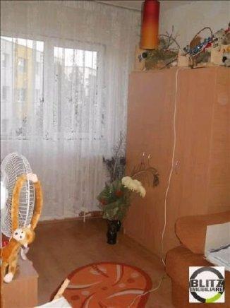 vanzare apartament decomandata, zona Manastur, orasul Cluj Napoca, suprafata utila 80 mp