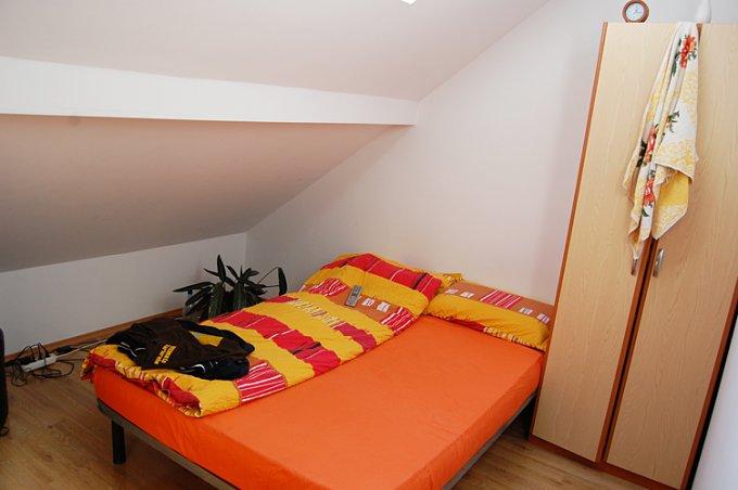 vanzare apartament cu 4 camere, decomandat, in zona Manastur, orasul Cluj Napoca