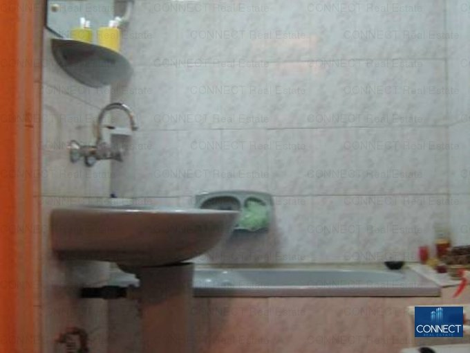 vanzare apartament semidecomandat, zona Tomis 3, orasul Constanta, suprafata utila 44 mp