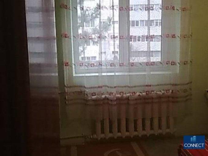 vanzare apartament semidecomandat-circular, zona Far, orasul Constanta, suprafata utila 48 mp
