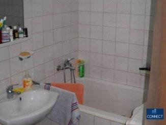 vanzare apartament semidecomandat, zona Tomis 3, orasul Constanta, suprafata utila 46 mp