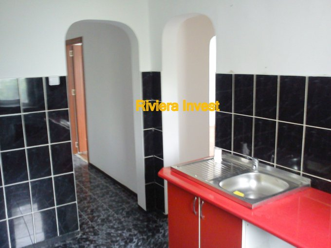 vanzare apartament semidecomandat-circular, zona Intim, orasul Constanta, suprafata utila 47 mp
