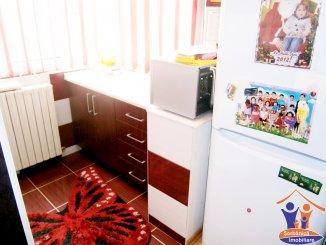 Apartament cu 2 camere de vanzare, confort 1, zona Km 4-5,  Constanta