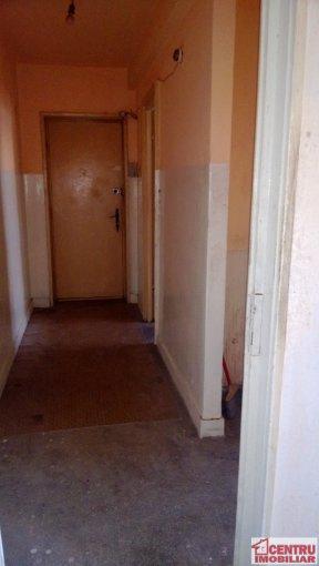 vanzare apartament semidecomandat, zona Gara, orasul Constanta, suprafata utila 44 mp