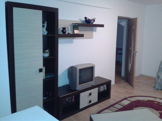 Apartament de inchiriat direct de la agentie imobiliara, in Constanta, in zona City Park Mall, cu 250 euro negociabil. 1  balcon, 1 grup sanitar, suprafata utila 46 mp. Mobilat clasic.
