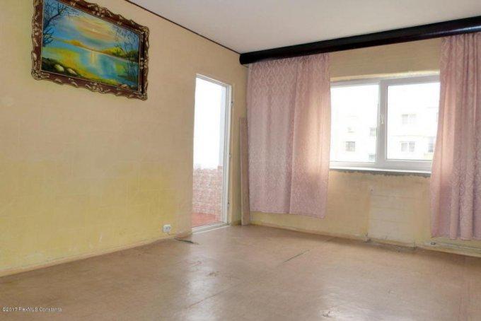 Apartament de vanzare in Navodari cu 2 camere, cu 1 grup sanitar, suprafata utila 49 mp. Pret: 33.000 euro. Usa intrare: Lemn. Usi interioare: Lemn.