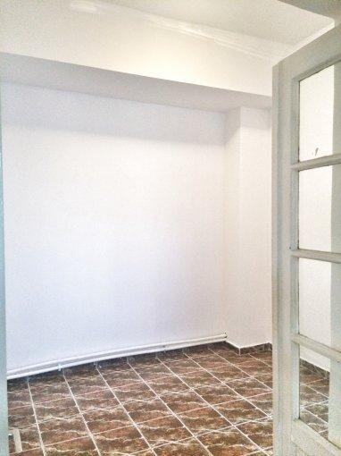Apartament de vanzare in Constanta cu 2 camere, cu 1 grup sanitar, suprafata utila 45 mp. Pret: 42.900 euro. Usa intrare: PVC. Usi interioare: Lemn.