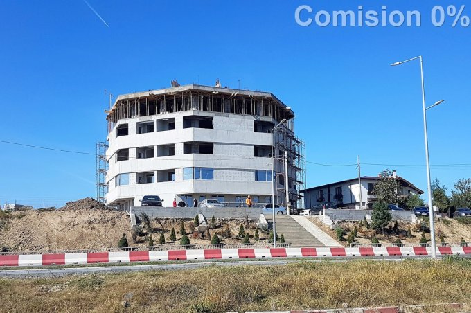 Apartament de vanzare in Constanta cu 2 camere, cu 1 grup sanitar, suprafata utila 48 mp. Pret: 56.500 euro. Usa intrare: Metal. Usi interioare: Lemn.