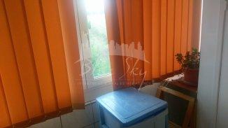 vanzare apartament cu 2 camere, semidecomandat, in zona Inel 1, orasul Constanta